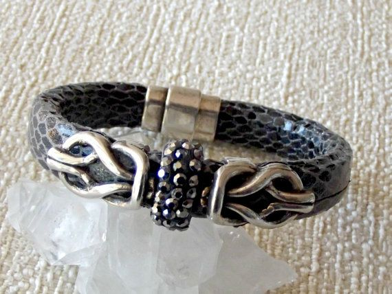 Snake skin bracelet with snake skin leather ,black and white color, silver plated findings and magnetic clasp  Size guide.- Each bracelet is custom made to fit your wrist T... #braclet #girlfriend