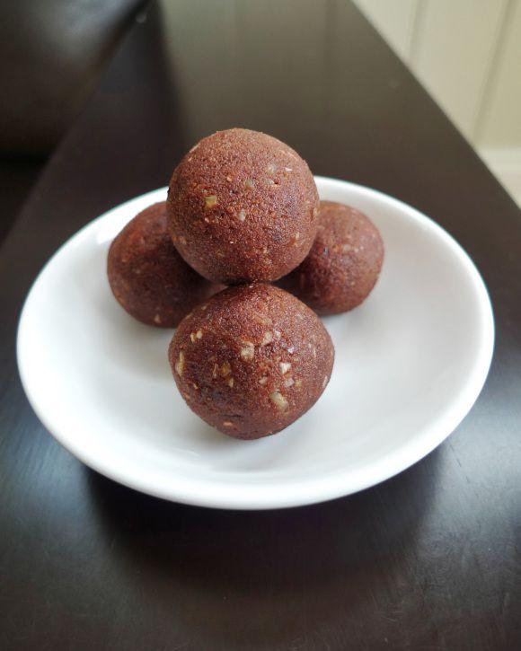 Thermomix healthy fudge balls - almond pulp