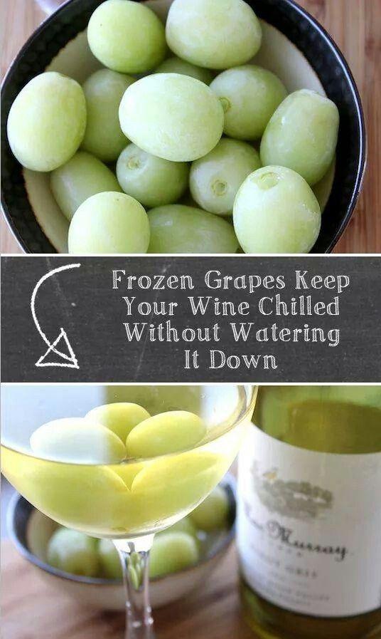 Refroidir le vin blanc avec des raisins congelés