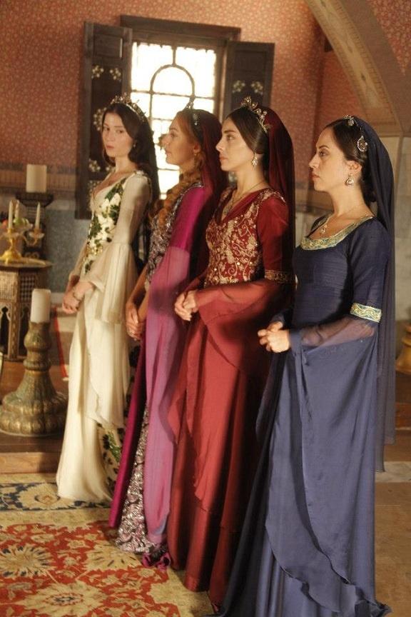 Sultanlar sarayda  Muhteşem Yüzyıl  Pinterest