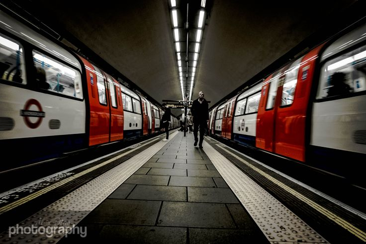 https://flic.kr/p/Gv4Un1 | North vs South 22/30 April Photo a Day | Clapham Common Tube, a few stations in London have their platforms like this but not too many, and timing it right was okay, would have had to wait much longer for there being natural motion blur on both but like the end result of this. anyway. Really breaks up the day to explore London at lunchtimes with a camera, quick and easy on the Northern Line for me.