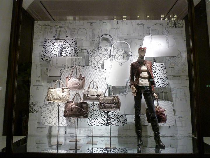 Vm window visual merchandising vm window display for Window design visual merchandising