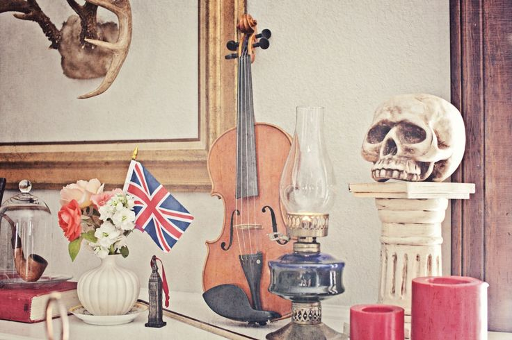 victorian decor, 212 baker street, sherlock holmes party, violin, party decor, halloween party