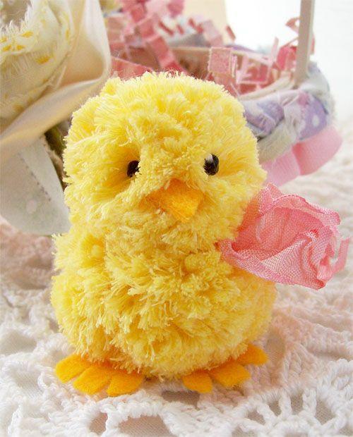 Easter crafts - diy pom pom and felt Easter chic