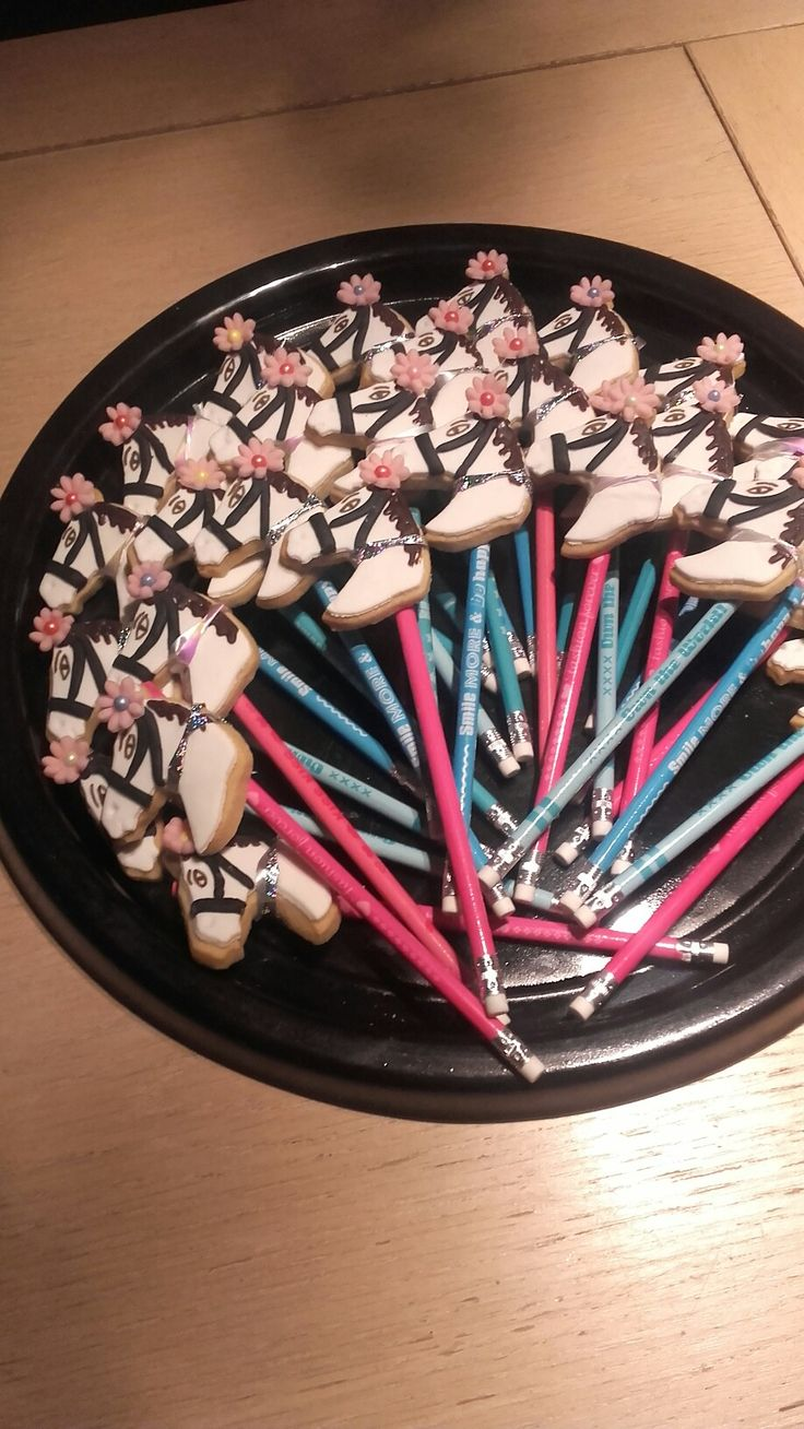 Paardenkoekjes met fondant en potlood