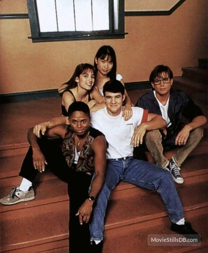 Mighty Morphin' Power Rangers promo shot of Amy Jo Johnson, David Yost and others