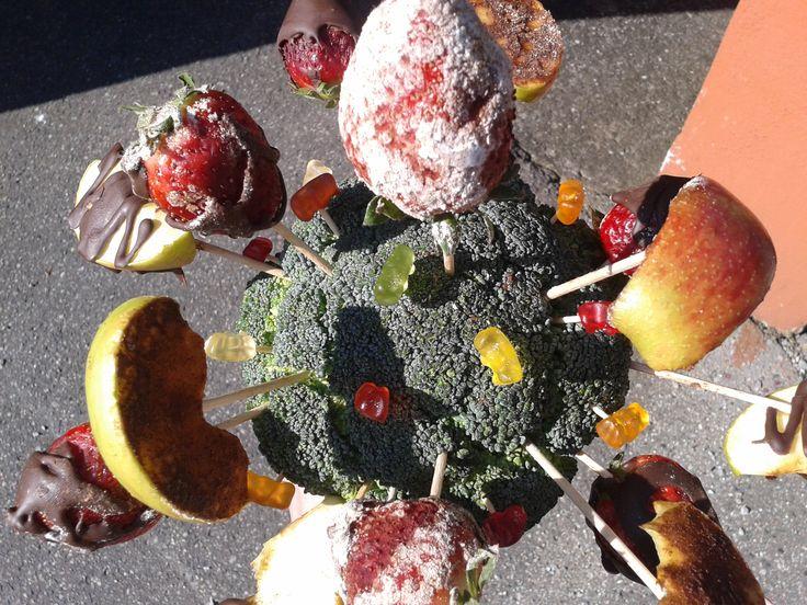 mamince ke dni matek- jahody jsou obalené ve skořicovém cukru...