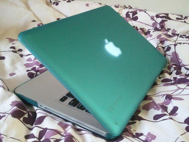 pretty apple laptop