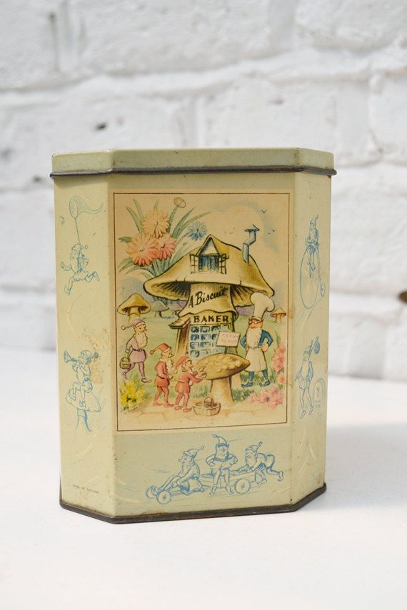 Vintage pixies tin box,faceted, hinged, Huntley&Palmers