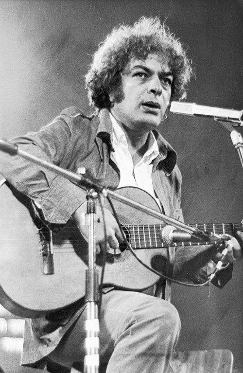 Ο Μάνος Λοϊζος έφυγε στις 17 Σεπτέμβρη του 1982 .