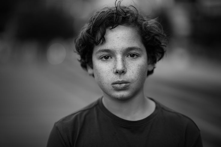 Black and white kids portrait - natural light - By Zubair Aslam - picturesnme