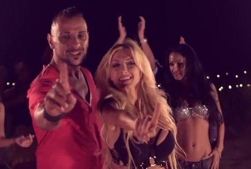 Ralflo feat. Andreea Balan - Toata Lumea Se Combina (Videoclip)  http://www.romusicnews.com/ralflo-feat-andreea-balan-toata-lumea-se-combina-videoclip/