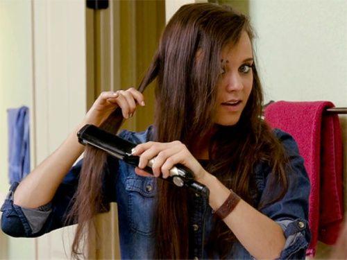 Jinger Duggar hair straightening video