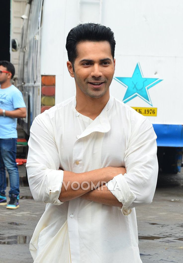 Cute smile! Varun Dhawan's simple look in a white kurta. via Voompla.com