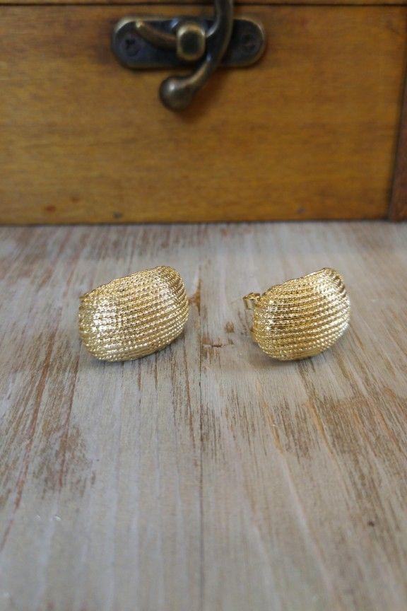 b7e585a1f2b Σκουλαρίκια χρυσά 'Shells' | AccesStory Earrings, 2019 | Earrings ...