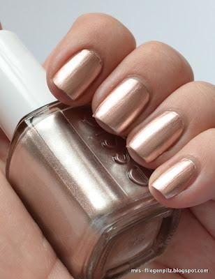 rose gold metallic nails