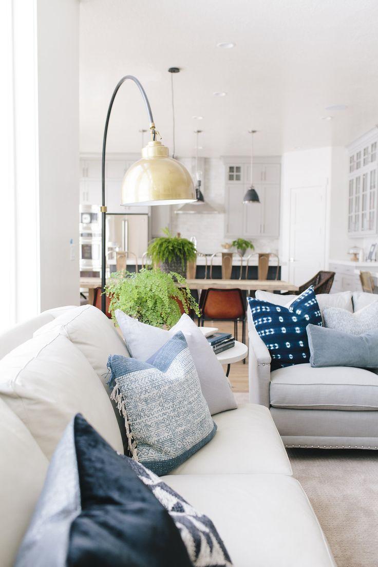 HOJI Mapleton Living Room Becky Kimball Photo