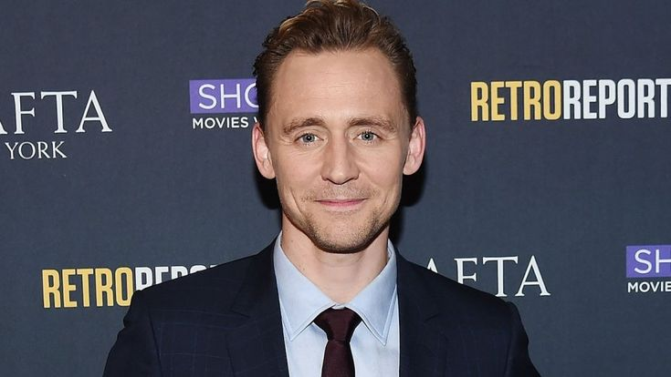 Tom Hiddlestonis officially Britain's best-loved actor after winning top honors at the British National Film Awards Thursday night.