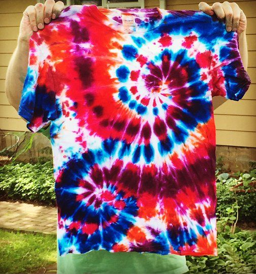 Dishfunctional Designs: How To Create Awesome Tie Dye T-Shirts