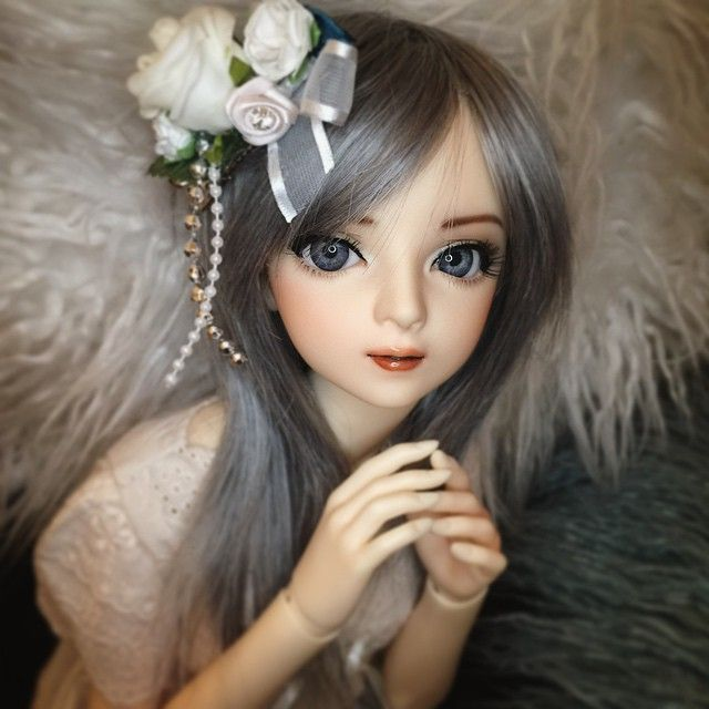 """heytanya: """"Her name is Madison Riley. I don't know much about her yet, but I will… eventually~ Also, that isn't her real hair color. Adrian was just kind enough to lend her his old wig for the meantime. oh bless~ #bjd #dolls #balljointeddoll..."""