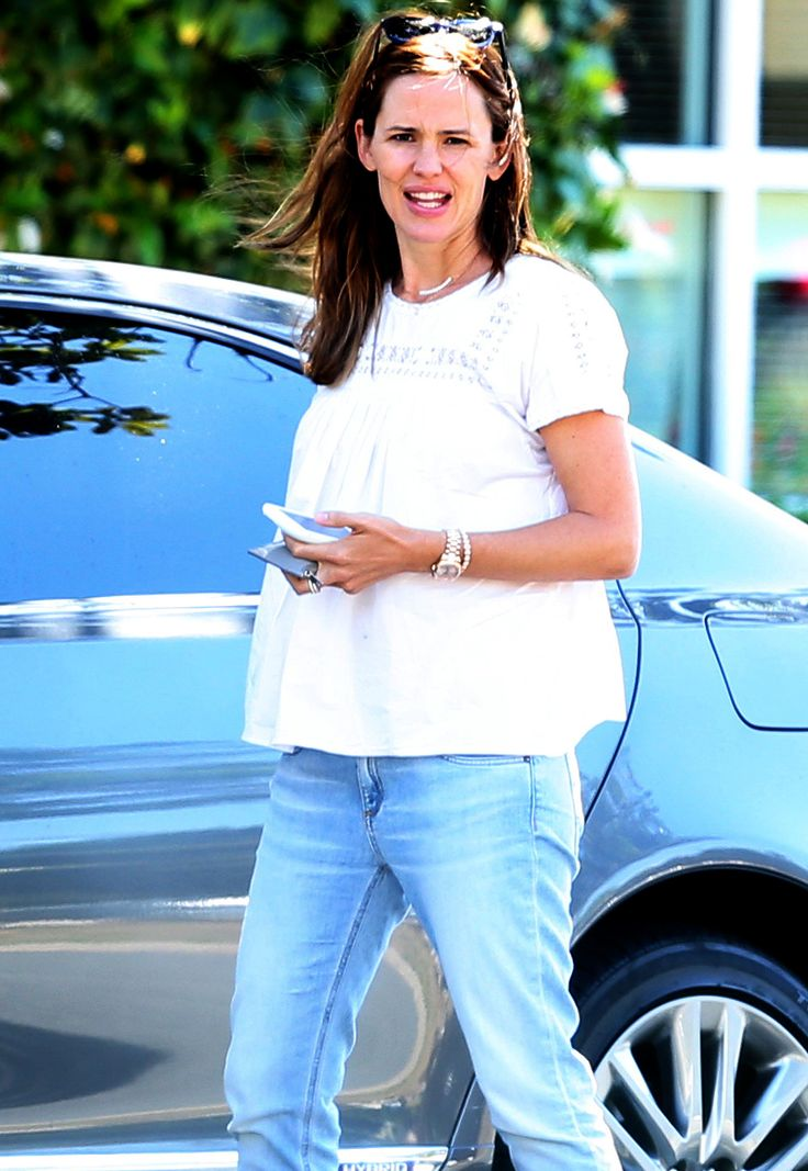 Hiding a Baby Bump?: Rumors Swirl Jennifer Garner is Pregnant with Baby No. 4 Amid Ben Affleck Divorce