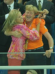 Maxima and Willem Alexander of The Netherlands! So enthousiastic as sport supporters