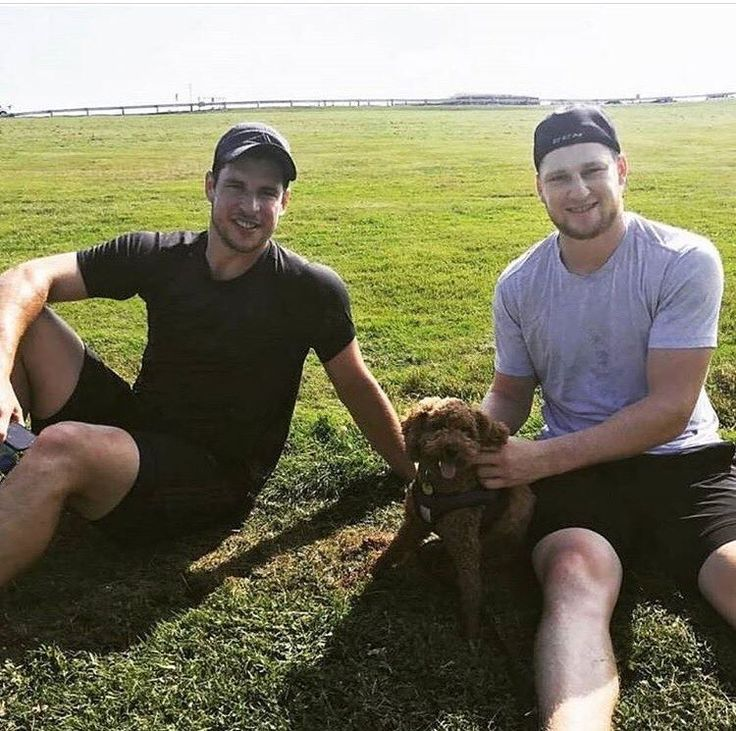 Sid and Nate with an adorable puppy.  Happy Saturday everyone!! Today is Comic Con and I'm looking forward to many pictures of Stephen Amell!! Probably the most perfect actor in the world!!! ******************************************* #stanleycupchampion #sidisalegend #pittsburghpenguins #sidthekid87 #sidthekid #sidneycrosby #nathanmackinnon #nhl #hockey #novascotia