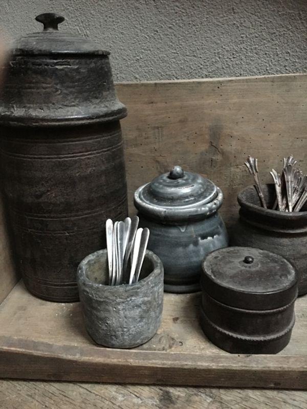 Stoer grijs stenen potje pot bakje lepelbakje suikerpot suikerpotje bloempotje landelijk stoer steen