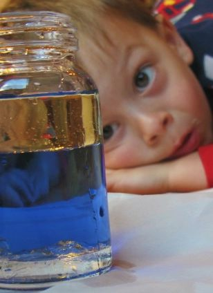 "LOVE these 5 simple science ""experiments"" that you can do with your kids in the kitchen today {and you don't have to be a scientist to figure them out}"