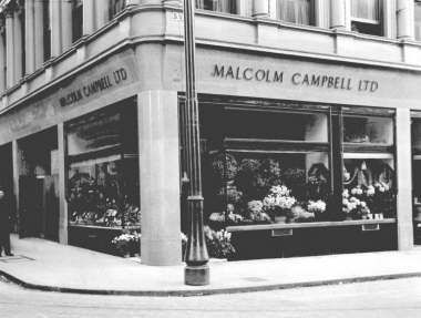 1931: Well-known Glasgow fruit shop chain (Malcolm Campbell's). This one was at 102 St Vincent St, Glasgow.