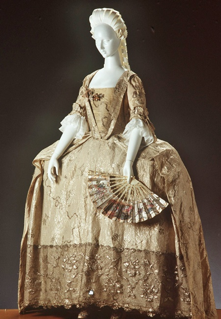 524 best images about Women's Fashion in the 1700's on ...