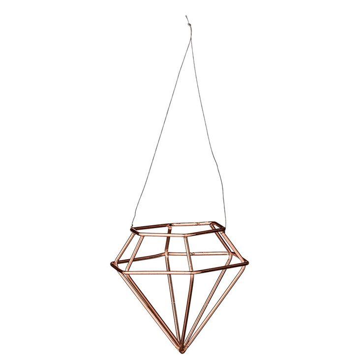 Die dänische Designerin Betina Stampe gründete aufgrund ihrer Leidenschaft zum nordischen Stil und Lifestyle 2000 das Label Bloomingville A/S. Bloomingville kreiert, entdeckt und sammelt schöne Dinge für Haus und Garten mit einem großen Fokus auf exzellente Qualität. Der größte Teil...
