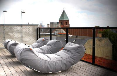 Scopri Lettino da sole Half Moon -/ L 180 cm, Grigio di Trimm Copenhagen, Made In Design Italia