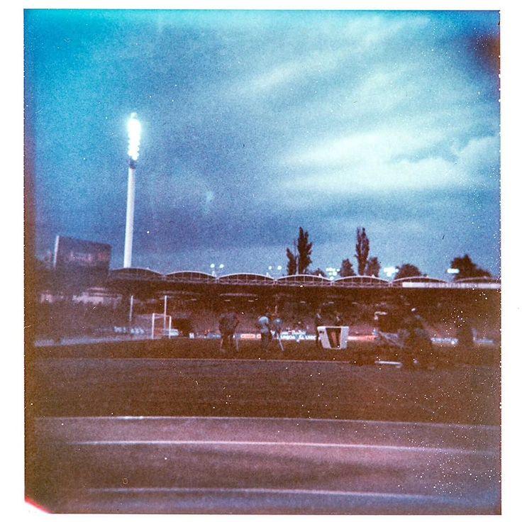 #nofilter #realpicture  #oldschool #holgaroid #polaroid #film #type88 #analog #holga #linzpictures #linz #linzer #handwerk #blauweisslinz #soccer #gugl #stadium #pregame #potd #analog #fussball #retro #stadionderstadtlinz #stadion #sports #lowl
