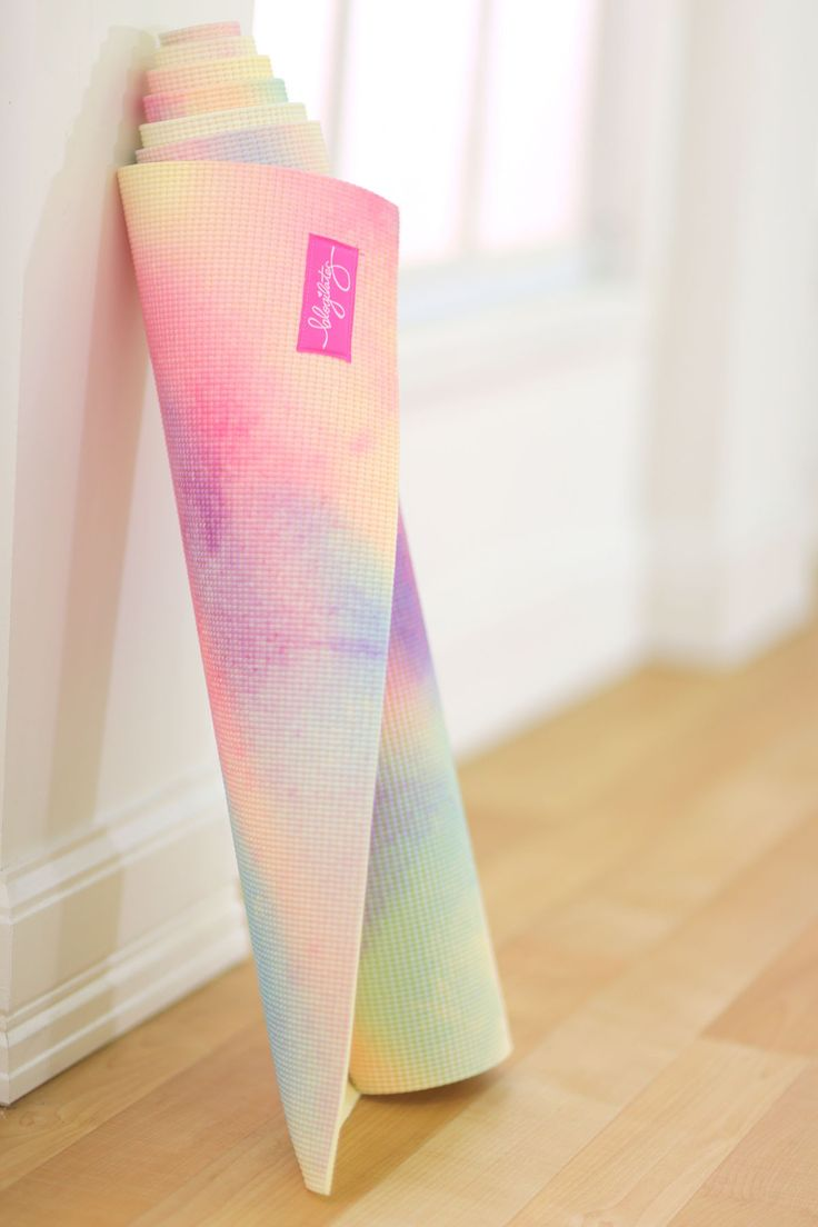 Popflex Mermaid Couture Yoga Mat (Limited Edition) | We are so happy to present to you the most beautiful, artistic, and premium quality yoga mat on the market! Cassey has perfected a mat that provides a non-slip grip for your poses, dense cushioning for your joints, and a gorgeous design to bring extra excitement to your practice. Made from eco-friendly PER that's free of latex, rubber, heavy metals, phenols, and phthalates, you've got a safe space to stretch and push your body.