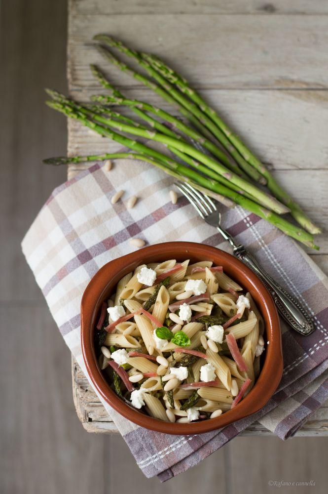 Pasta agli asparagi, robiola e speck #gialloblogs #rafanoecannella http://blog.giallozafferano.it/rafanoecannella/pasta-agli-asparagi-robiola-e-speck/