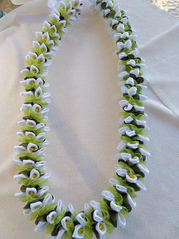 White calla lily hawaiian ribbon lei