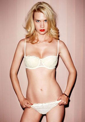 Google Image Result for http://www.gq.com/images/women/2009/11/january-jones/january-jones-mad-men-cover-story-article-image.jpg