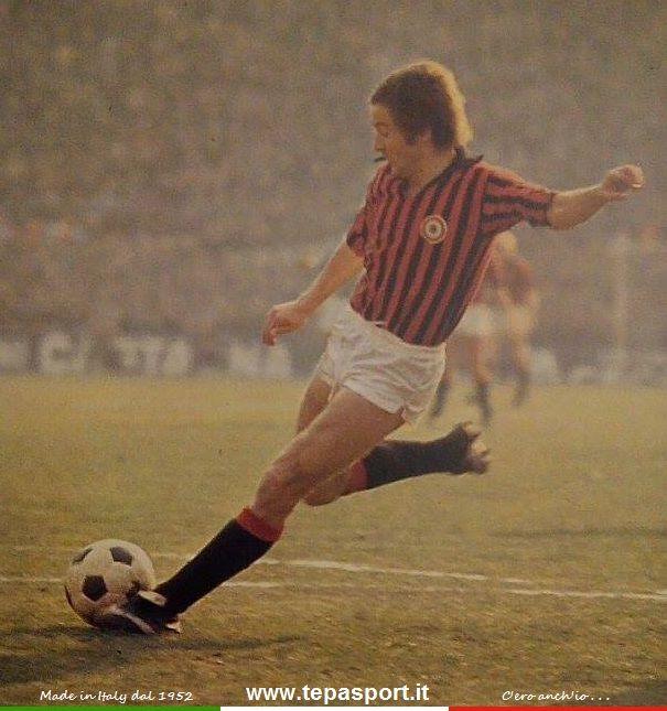"""Luciano Chiarugi Veniva considerato per il suo estro un giocatore atipico, tanto da essere soprannominato """"Cavallo Pazzo"""" ...  C'ero anch'io ... http://www.tepasport.it/ Made in Italy dal 1952 #tepasport   #real   #sneakers   #madeinitaly   #calcio   #anni70   #italia"""