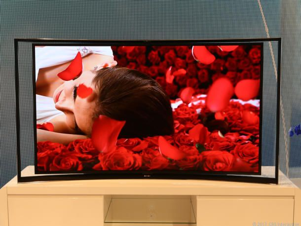 Samsung touts 4K OLED TV, 98-inch behemoth | At the IFA show in Berlin, the electronics giant shows the fruits of its work to improve TV resolution and marry Ultra HD with the rich tones of OLED displays.-