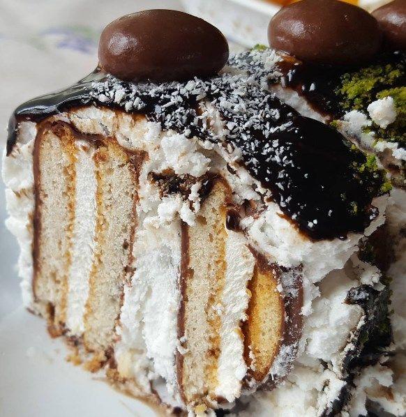 Bazen uzun uzadıya mutfakta kalmak istemez ya insan iste o vakitlerde pratik tarifler imdada yetişir tıpkı bu şipşak pasta gibi 😉😉