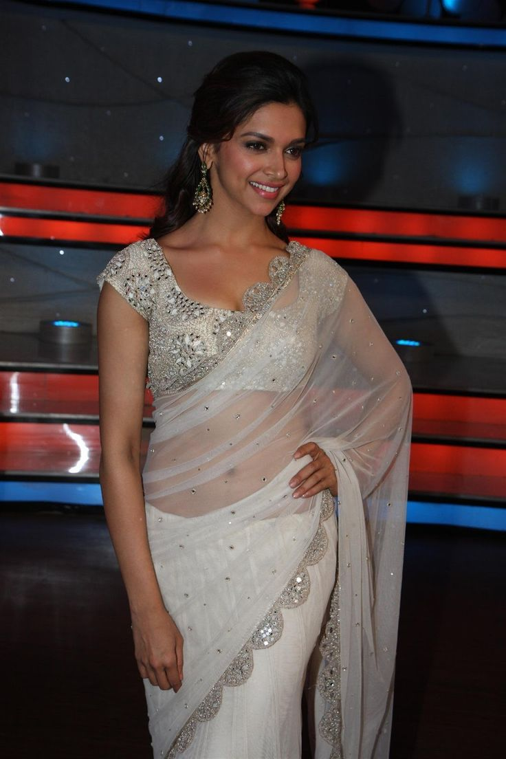 Bollywood HQ Pictures  Wallpapers  Entertainment  News and Movies- Bollywoodcelebden.com: Deepika Padukone