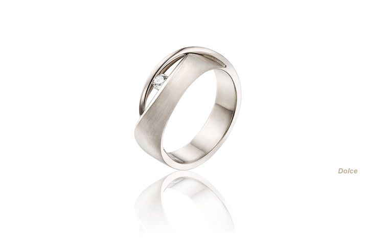 Beautiful white gold modern engagement ring, would love it in yellow gold.