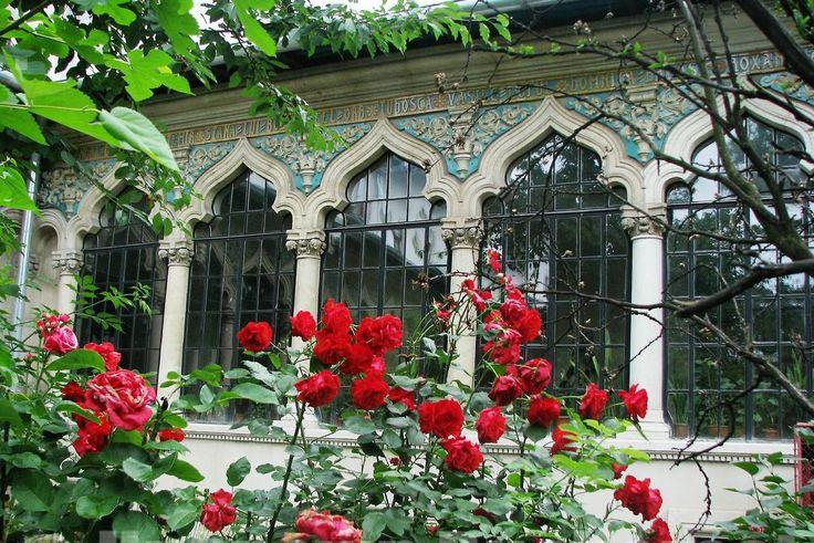 Traditional Neo-Romanian architecture  Bucuresti, Romania