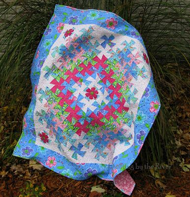 Worldly Twist. I love the colors in this.: Lil Twister Quilt, Quilts Twister, Country Throws Quilts Rugs, Baby Quilts, Worldly Lil, Color, Twister Quilts, Quilting Inspiration, Baby Blankets