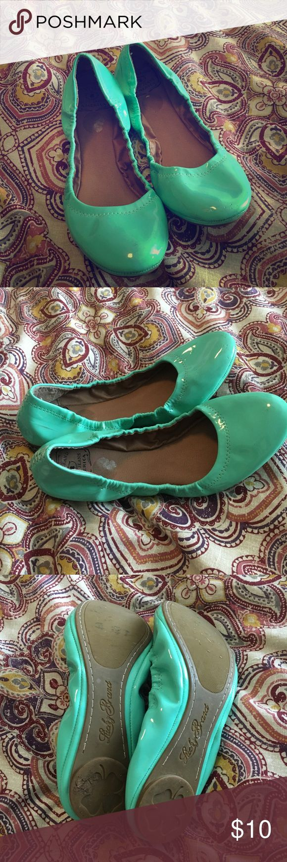 Lucky Brand Flats Size 8 Lucky Brand flats. Great condition! Message with questions! Lucky Brand Shoes Flats & Loafers