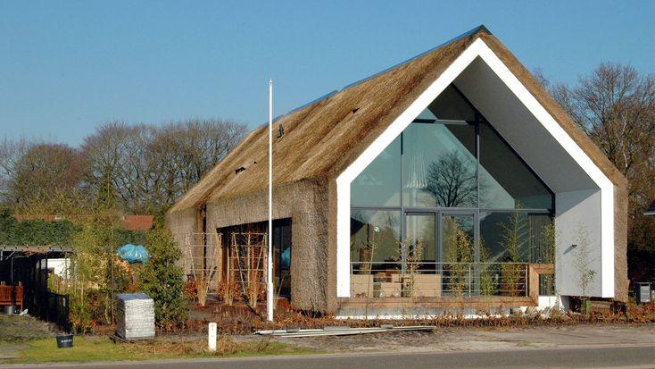 Rieten villa in Sterksel / ARCHES architecten BNA – nowoczesna STODOŁA | wnętrza & DESIGN | projekty DOMÓW | dom STODOŁA