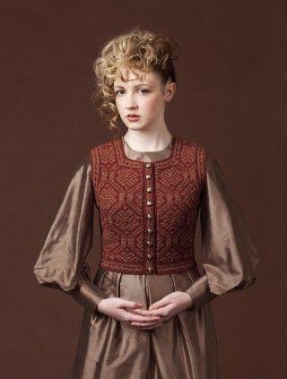 Elizabeth Of York - Tudor Rose / Alice Starmore