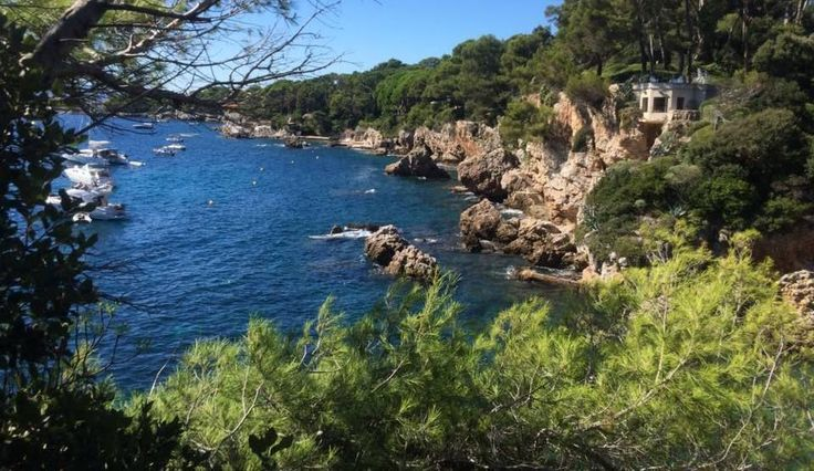 Exploring the rocky outcrops & small coves of the area