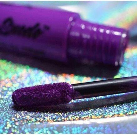 Seduce con labios morados #Lipstick #NYXCosmetics #NYXProfessionalMakeup